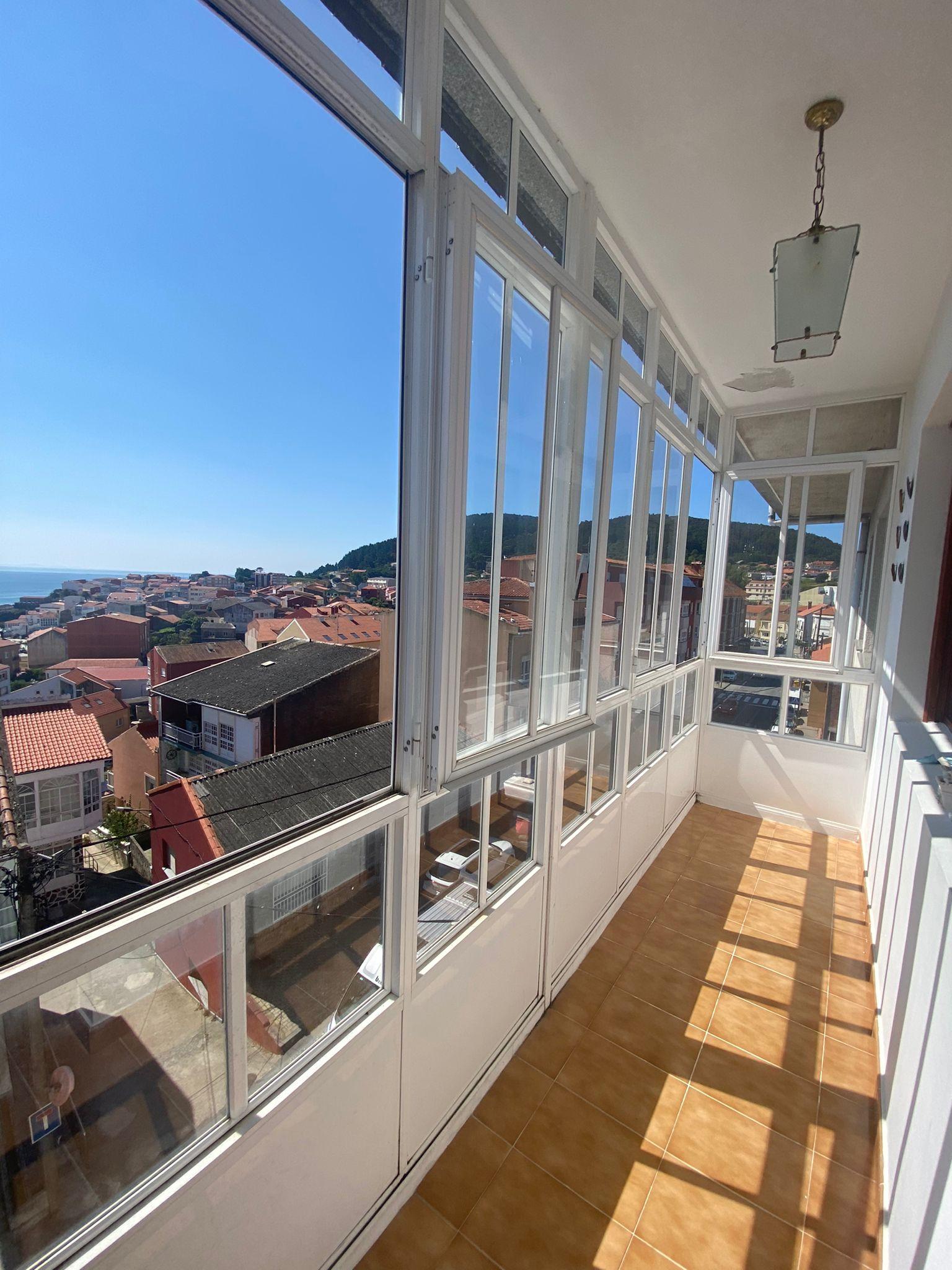 Piso en Fisterra Centro con vistas al mar.